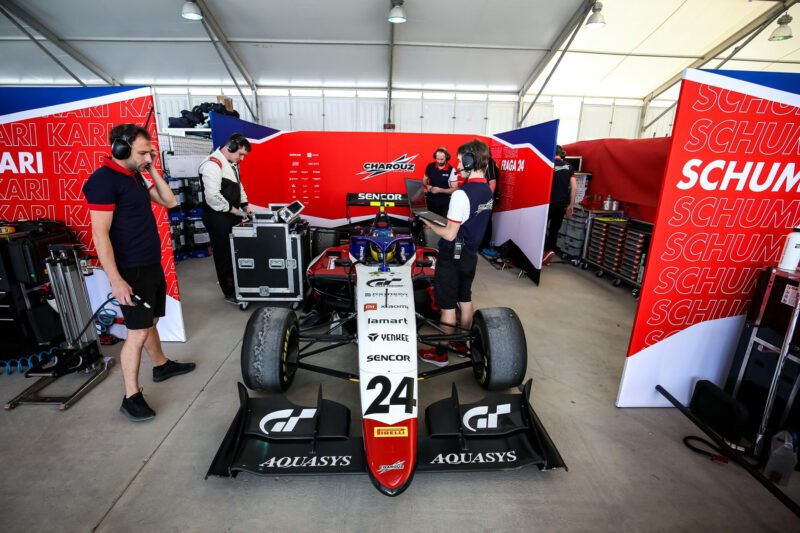 fraga-formula-3-pits-800x533 How Gran Turismo Saved Igor Fraga